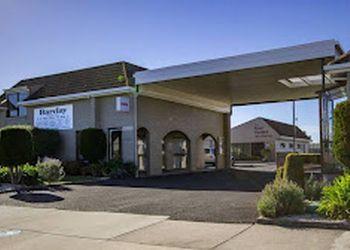 Barclay Motor Inn