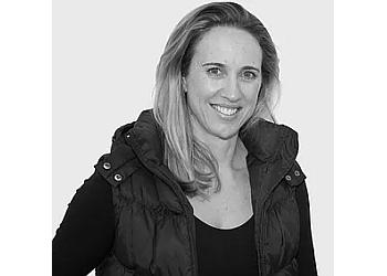 DR. Anna McIntosh