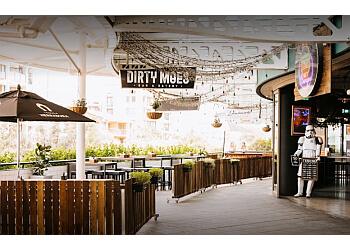 Dirty Moes