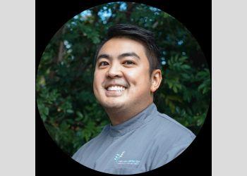 Dr. Benjamin Thai