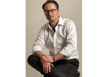 Dr. Chris Moss