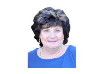 Dr. Elizabeth Wade