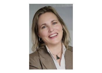 Dr. Fiona Van Leeuwen