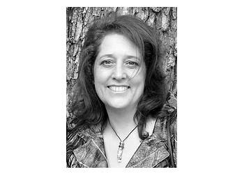 Dr. Lisa Cunial