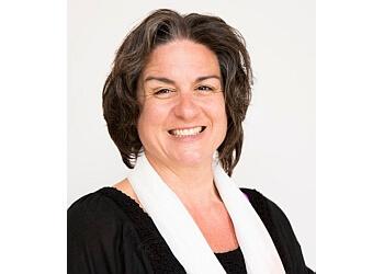 Dr. Lisa Naera