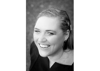 Dr. Melanie Stuttgen