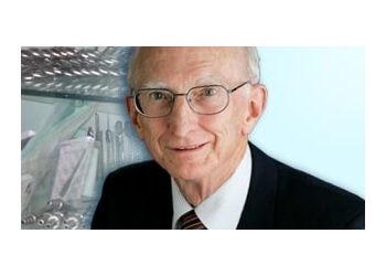 Dr. Phillip Bushell-Guthrie