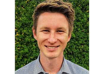 Dr. Tom Kolesnik