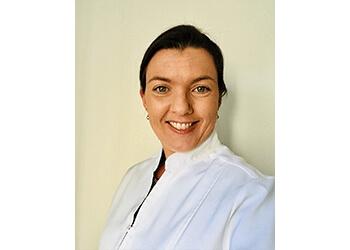 Dr. Vanessa Schneider