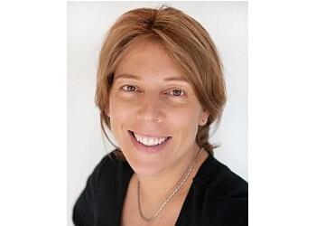 DR. Simone Leembruggen