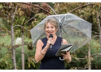 Hobart Celebrant Maxine Lowry