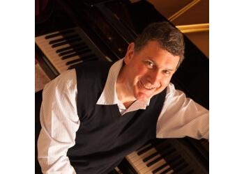 Dr. Robert S Schmidli