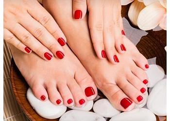 La Glamour Nails n Beauty