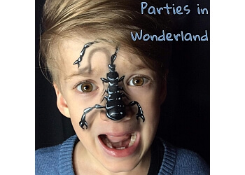 Parties in Wonderland, face painter