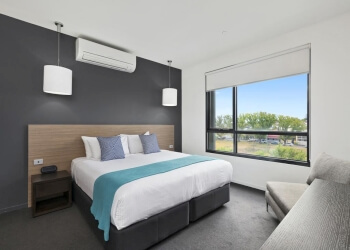 3 Best Hotels in Geelong, VIC - Expert Recommendations