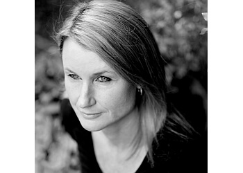 Dr. Fiona Lewis